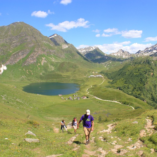 walking and hiking in ticino | piora region