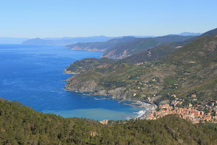 hiking in cinque terre and portofino-levanto