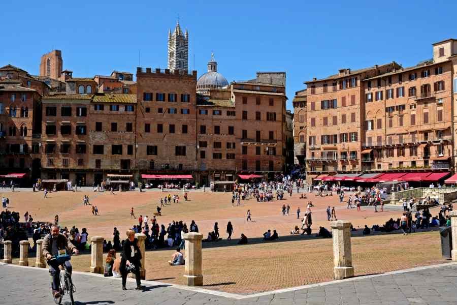 gems of tuscany - siena piazza del campo