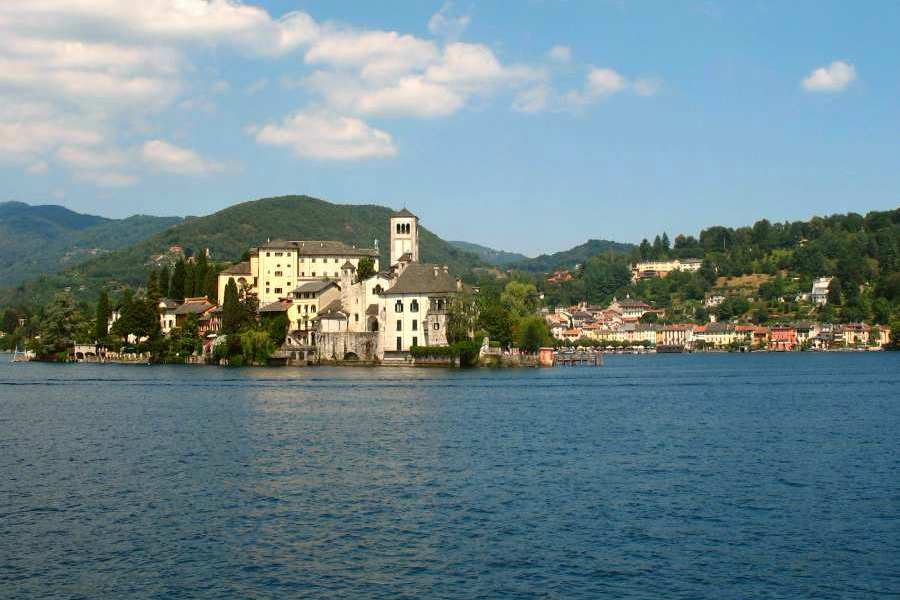 the italian lakes region-san giulio