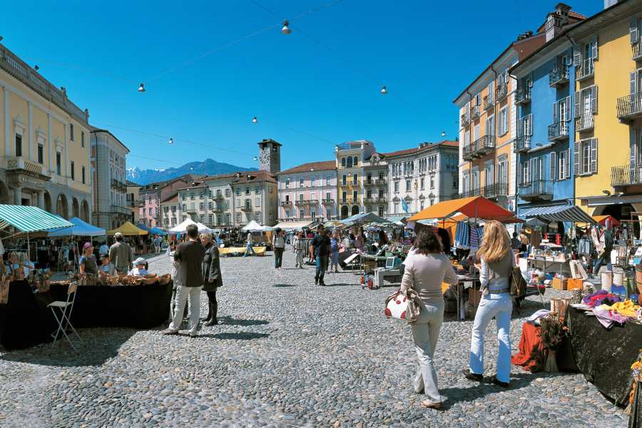 locarno, home of the stars-mercato courtesy of swiss-image